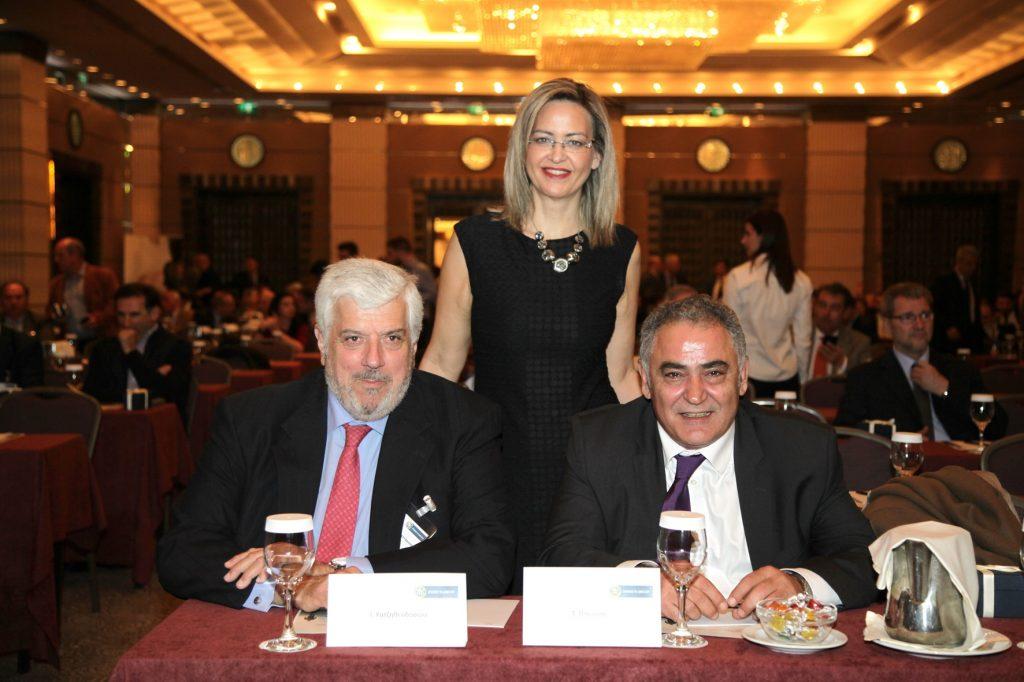 ο κ. Γεώργιος Κώτσαλος, η κ. Νάντια Σταυρογιάννη και ο κ. Ιωάννης Χατζηθεοδοσίου