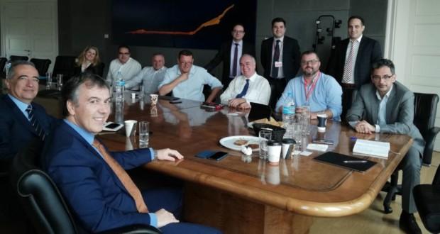 Τα στελέχη της INTERAMERICAN με την ομάδα της IBM, κατά την πρόσφατη συνάντηση εργασίας με θέμα την «Τεχνητή Νοημοσύνη στην Ασφάλιση»