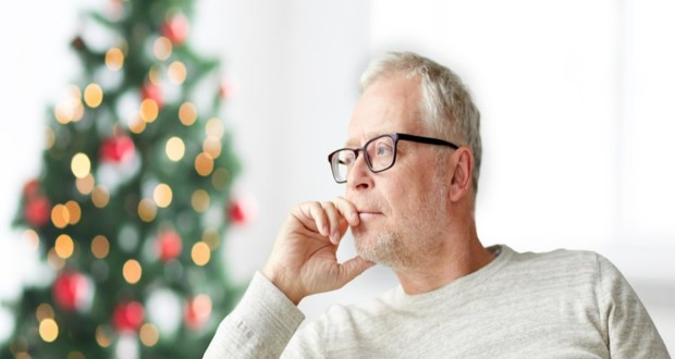 Μελαγχολικός άντρας, χριστουγεννιάτικο δέντρο